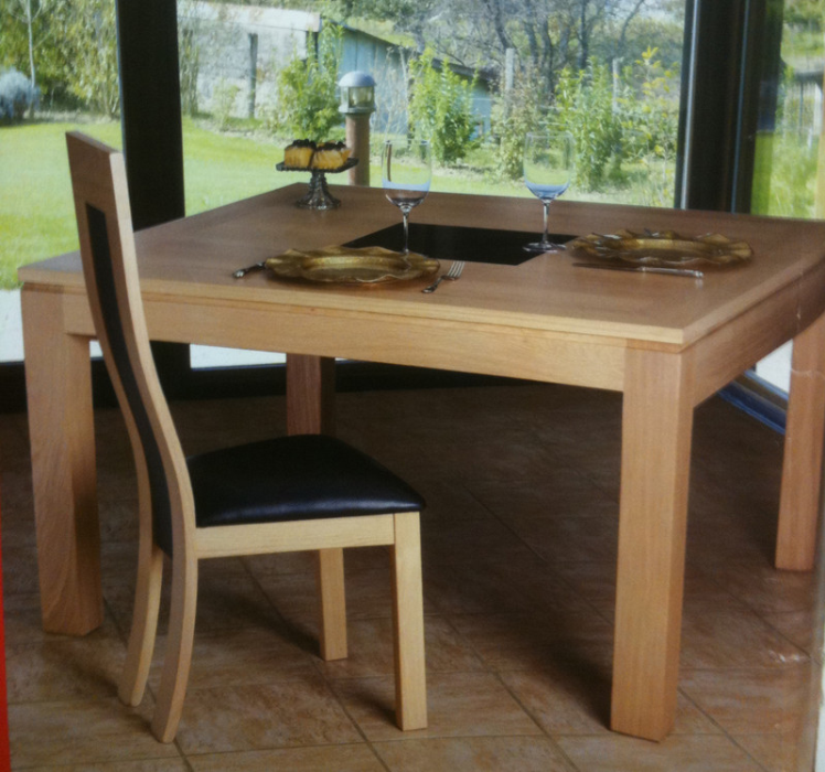 Table bois carree avec rallonge maison design for Table ronde chene massif avec allonges