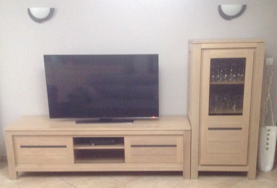 meuble tv avec porte coulissante. Black Bedroom Furniture Sets. Home Design Ideas